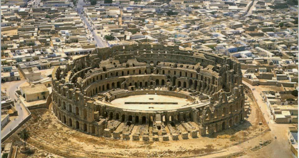 http://www.vanderbilt.edu/AnS/Classics/roman_provinces/tunisia/El%20Jem%20lower.JPG