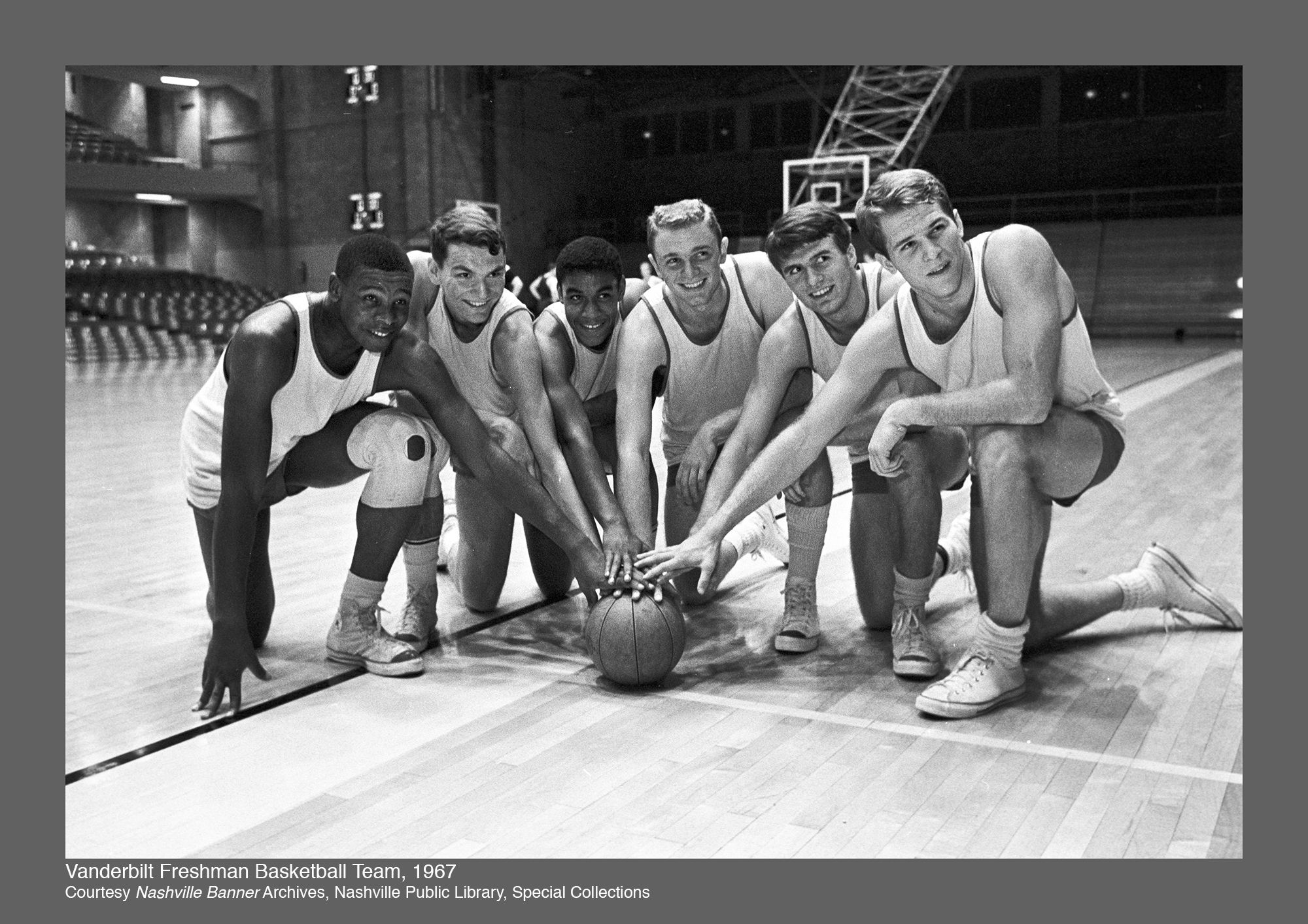 Perry Wallace, Godfrey Dillard on Freshmen team with teammates - 1967