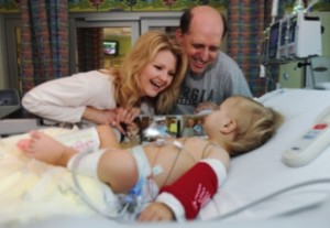 Jada and Kevin are all smiles as they visit with Shafer soon after the transplant.