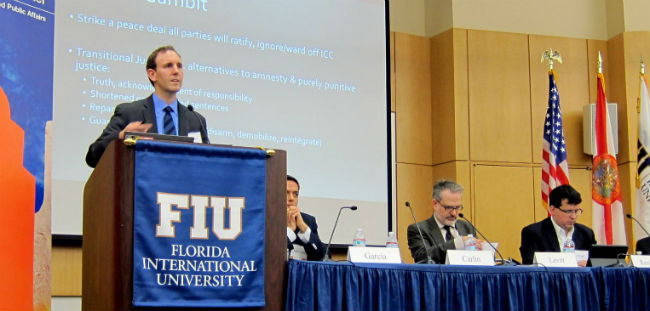 LAPOP affiliate Dr. Ryan Carlin presents his findings at Florida International University.