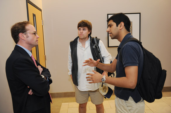 Conner Searcy speaks to students in the managerial studies program.